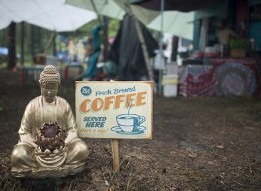"""Festivalis """"Yaga Gathering 2016"""": hipiška atmosfera ir sveika gyvensena"""