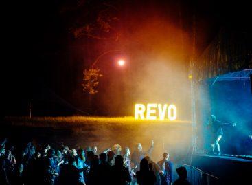 """Elektroninės muzikos festivalyje """"Revolution Festival"""" šokiai prasidės diena anksčiau nei planuota"""